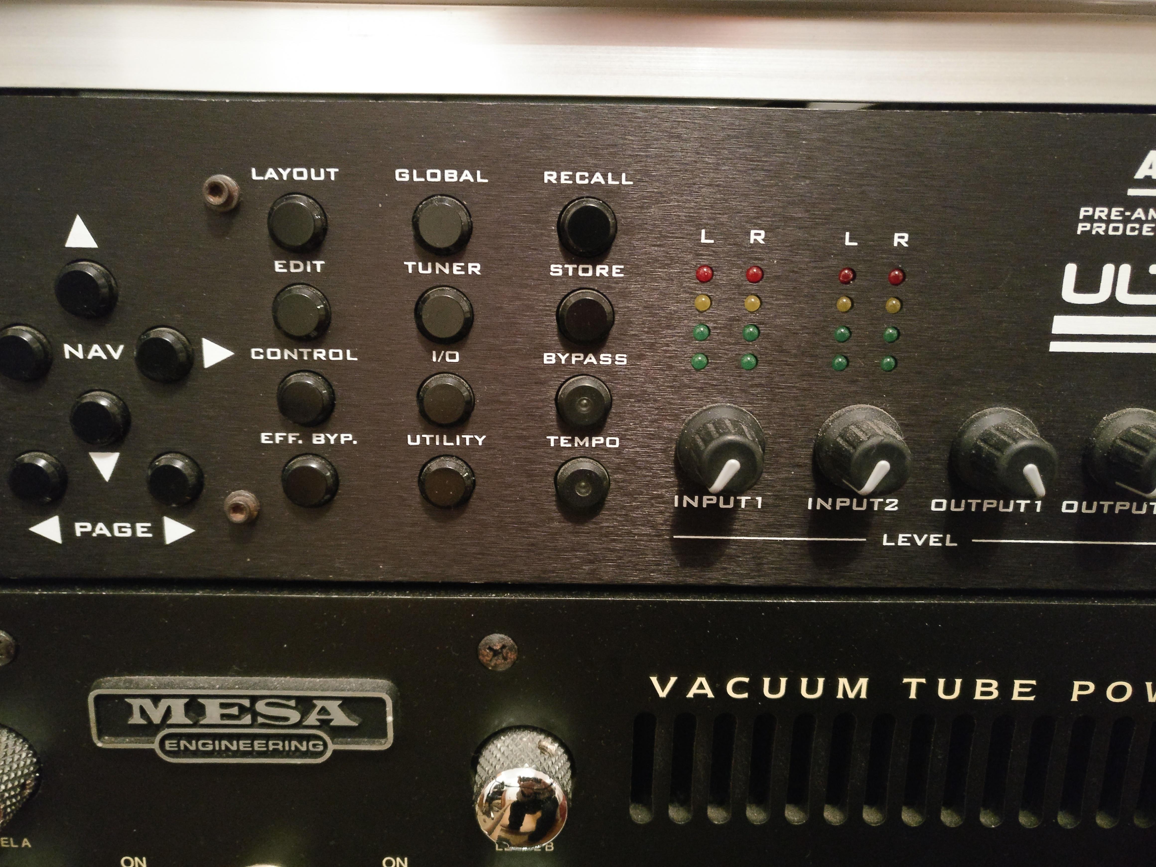 [vând] Fractal Axe Fx Ultra + thomann rack case 4u